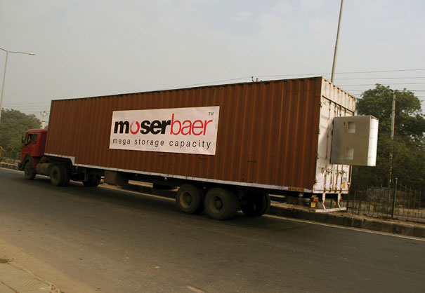 25. Moserbaer: USB Truck