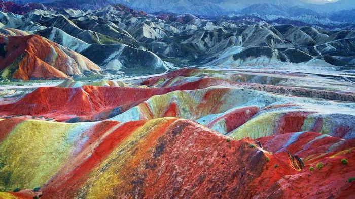 Formations rocheuses de Zhangye Danxia - l'endroit le plus coloré de la Terre
