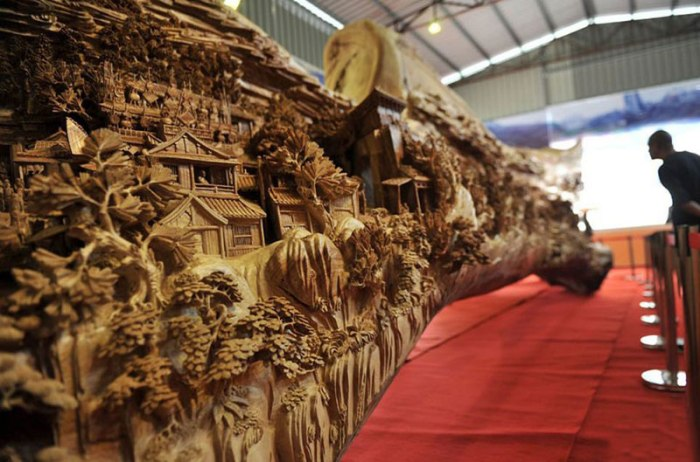 World's Longest Wood Carving by Zheng Chunhui