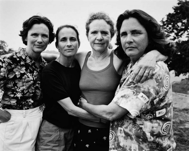 Four Sisters Take A Photo of Themselves Every Year