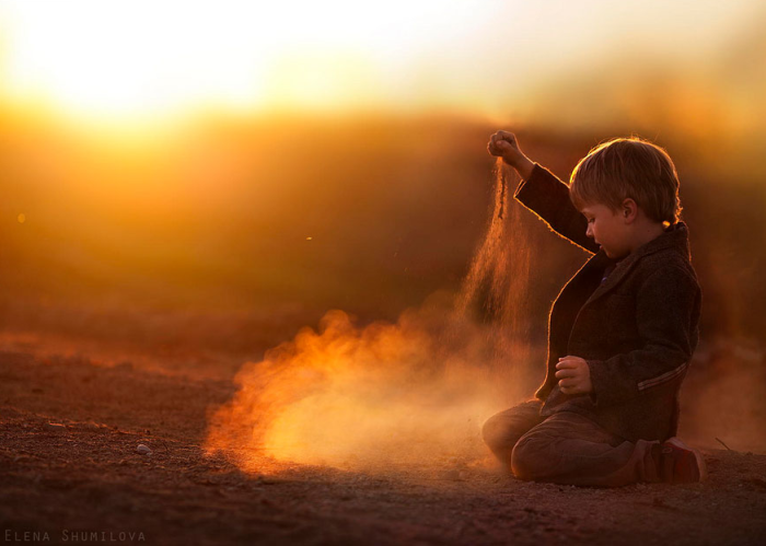 23Mother Takes Marvelous Photos of Her Children and Animals on Their Farm