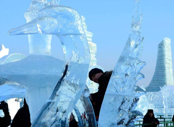 04Spectacular City Built Only of Ice and Snow in Chinese Festival