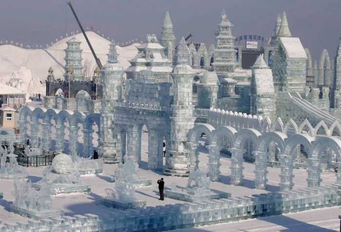 20Spectacular City Built Only of Ice and Snow in Chinese Festival