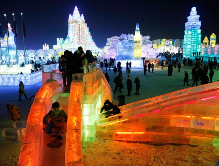 22Spectacular City Built Only of Ice and Snow in Chinese Festival