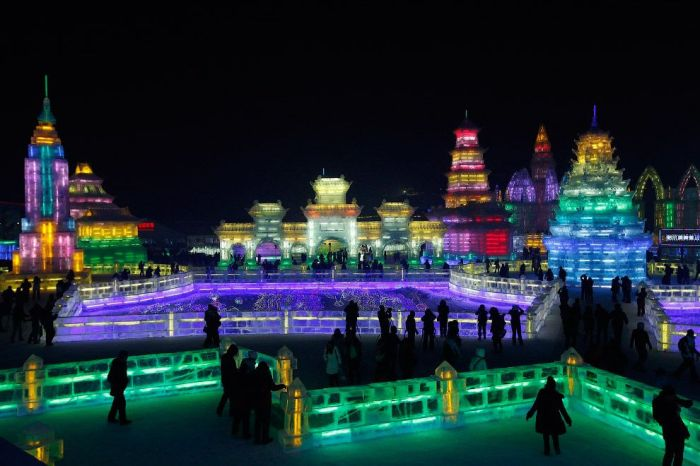 26Spectacular City Built Only of Ice and Snow in Chinese Festival