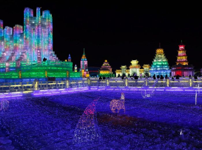 60Spectacular City Built Only of Ice and Snow in Chinese Festival